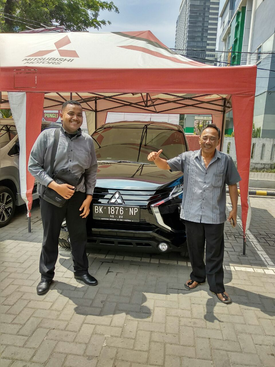Sales Marketing Mobil Dealer Mitsubishi Satrio