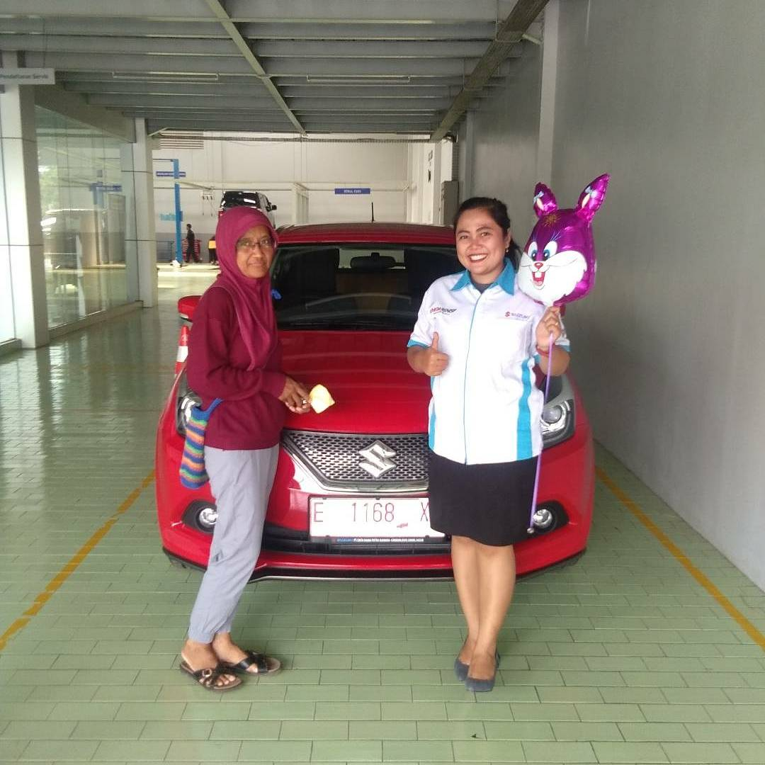 Sales Marketing Mobil Dealer Suzuki Indramayu Dewi