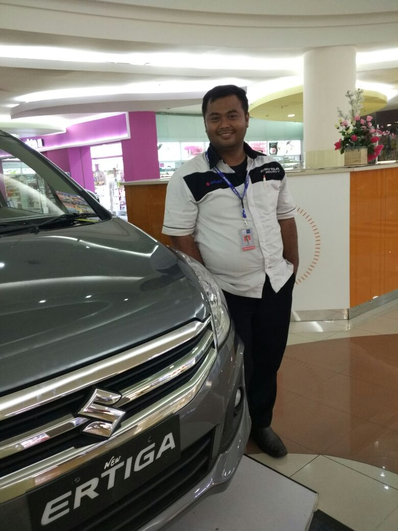 Sales Marketing Mobil Dealer Suzuki Pondok Gede Haerudin