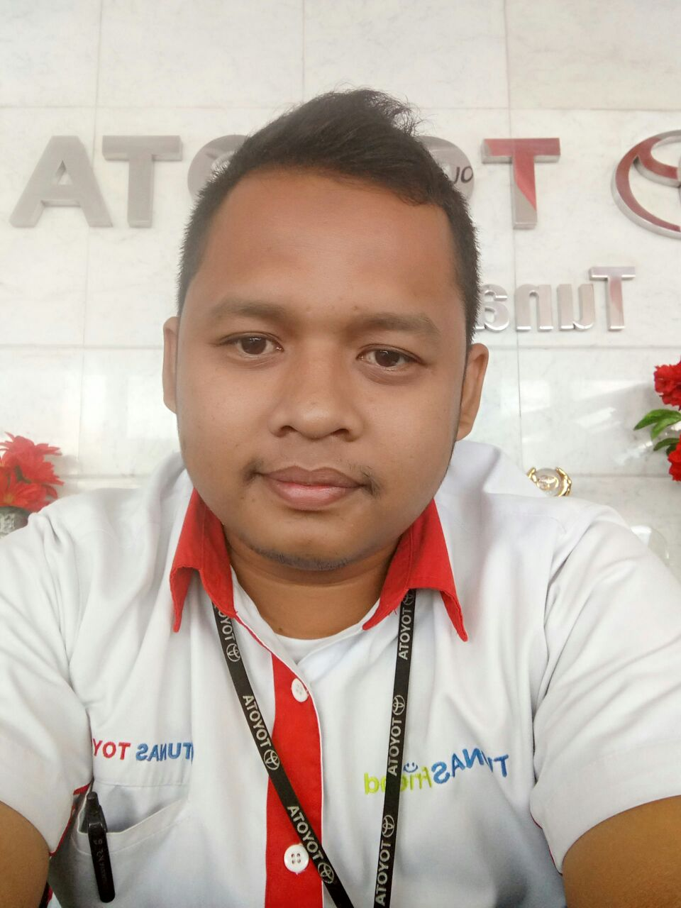 Sales Marketing Mobil Dealer Toyota Endro