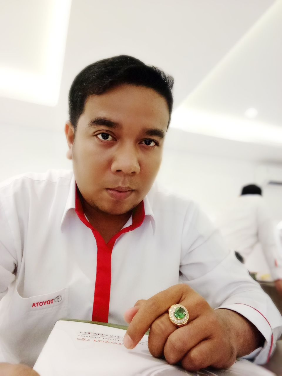 Sales Marketing Mobil Dealer Toyota Jefri
