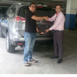 Foto Penyerahan Unit 11 Sales Marketing Mobil Dealer Nissan Ardy