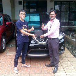 Foto Penyerahan Unit 13 Sales Marketing Mobil Dealer Nissan Ardy