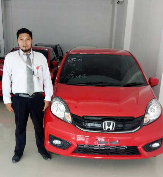 Sales Marketing Mobil Dealer Honda Palu Ijal