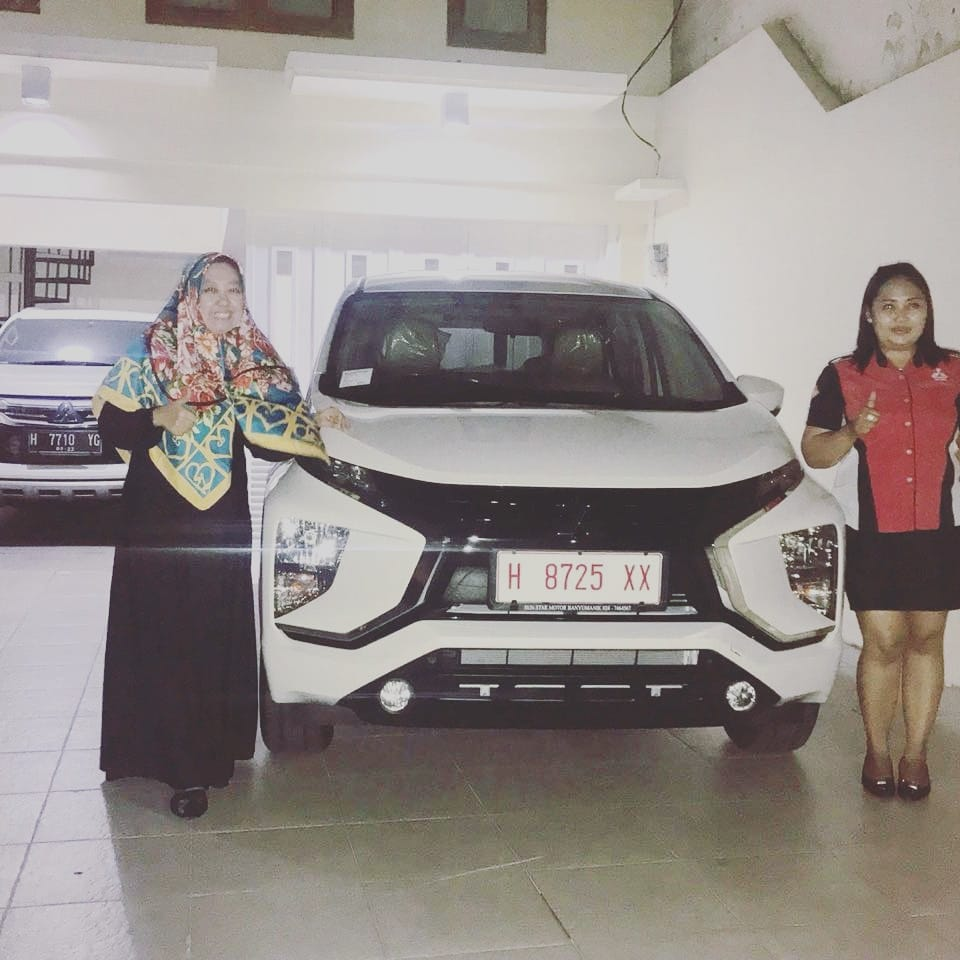 Sales Marketing Mobil Dealer Mitsubishi Tari