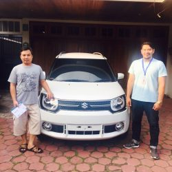 Foto Penyerahan Unit 1 Sales Marketing Mobil Dealer Suzuki Malang Nino