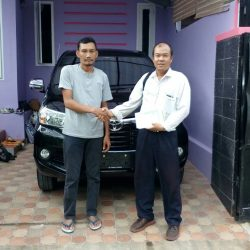 Foto Penyerahan Unit 1 Sales Marketing Mobil Dealer Toyota Cibubur Jimmy