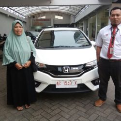 Foto Penyerahan Unit 10 Sales Marketing Mobil Dealer Honda Trenggalek Hendro