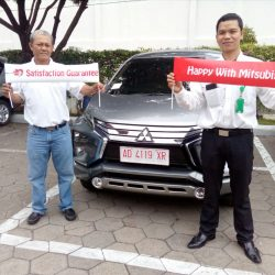 Foto Penyerahan Unit 10 Sales Marketing Mobil Dealer Mitsubishi Solo Agus