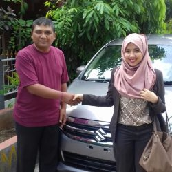 Foto Penyerahan Unit 10 Sales Marketing Mobil Dealer Suzuki Refni