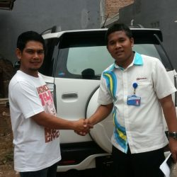 Foto Penyerahan Unit 11 Sales Marketing Mobil Dealer Daihatsu Tryastono