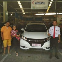 Foto Penyerahan Unit 11 Sales Marketing Mobil Dealer Honda Solo Wahyu