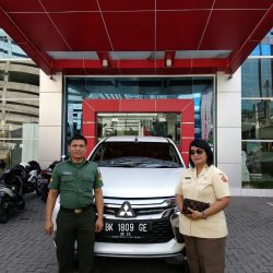 Foto Penyerahan Unit 11 Sales Marketing Mobil Dealer Mitsubishi Satrio
