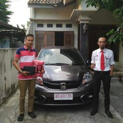 Foto Penyerahan Unit 12 Sales Marketing Mobil Dealer Honda Solo Wahyu