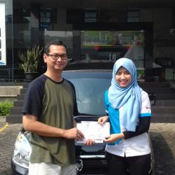 Foto Penyerahan Unit 12 Sales Marketing Mobil Dealer Suzuki Refni