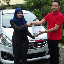 Foto Penyerahan Unit 13 Sales Marketing Mobil Dealer Suzuki Refni
