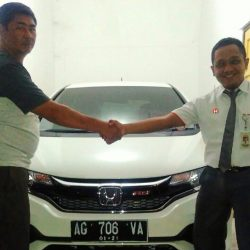 Foto Penyerahan Unit 15 Sales Marketing Mobil Dealer Honda Eko