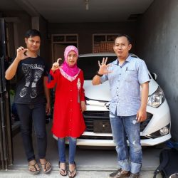 Foto Penyerahan Unit 2 Sales Marketing Mobil Dealer Daihatsu Ciamis Cep Agus