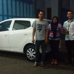 Foto Penyerahan Unit 2 Sales Marketing Mobil Dealer Daihatsu Karanganyar Bowo