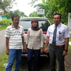 Foto Penyerahan Unit 2 Sales Marketing Mobil Dealer Honda Trenggalek Hendro