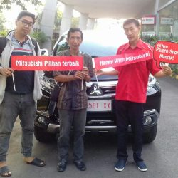 Foto Penyerahan Unit 2 Sales Marketing Mobil Dealer Mitsubishi Magelang Andreas