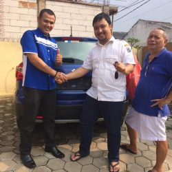 Foto Penyerahan Unit 2 Sales Marketing Mobil Dealer Suzuki Sofyan