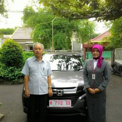Foto Penyerahan Unit 3 Sales Marketing Mobil Dealer Honda Salatiga Irma
