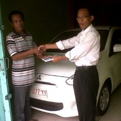 foto-penyerahan-unit-3-sales-marketing-mobil-dealer-mitsubishi-surabaya-syaifudin