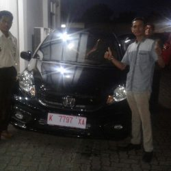 Foto Penyerahan Unit 3 Sales Marketing Mobil Honda Kudus