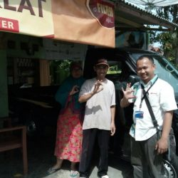 Foto Penyerahan Unit 4 Sales Marketing Mobil Dealer Daihatsu Ciamis Cep Agus