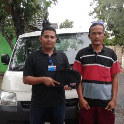 foto-penyerahan-unit-4-sales-marketing-mobil-dealer-daihatsu-tuban-rohman