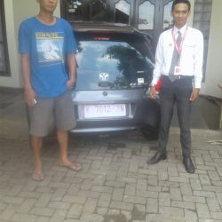 Foto Penyerahan Unit 4 Sales Marketing Mobil Dealer Honda Kudus Rizky