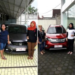 Foto Penyerahan Unit 4 Sales Marketing Mobil Dealer Honda Salatiga Irma