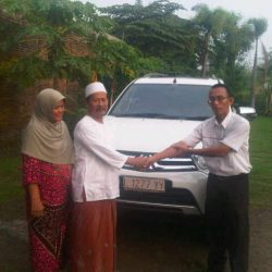 foto-penyerahan-unit-4-sales-marketing-mobil-dealer-mitsubishi-surabaya-syaifudin