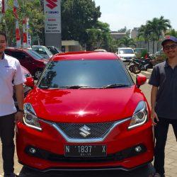 Foto Penyerahan Unit 4 Sales Marketing Mobil Dealer Suzuki Malang Nino