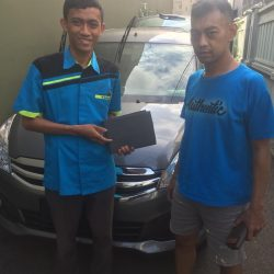 Foto Penyerahan Unit 4 Sales Marketing Mobil Dealer Suzuki Wisnu