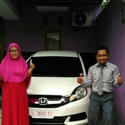 Foto Penyerahan Unit 5 Sales Marketing Mobil Dealer Honda Eko