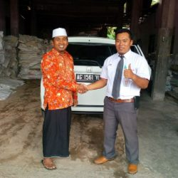 Foto Penyerahan Unit 5 Sales Marketing Mobil Dealer Honda Trenggalek Hendro