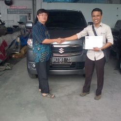 Foto Penyerahan Unit 5 Sales Marketing Mobil Dealer Suzuki Medan Leonard
