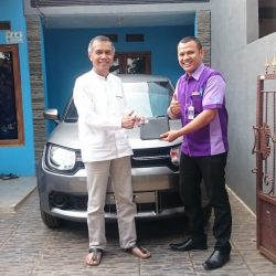 Foto Penyerahan Unit 5 Sales Marketing Mobil Dealer Suzuki Sofyan