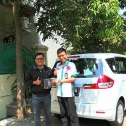 Foto Penyerahan Unit 5 Sales Marketing Mobil Dealer Suzuki Wisnu
