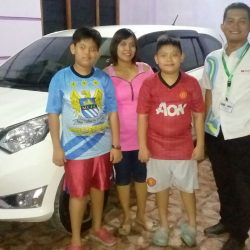 Foto Penyerahan Unit 6 Sales Marketing Mobil Dealer Daihatsu Karanganyar Bowo