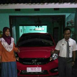 Foto Penyerahan Unit 6 Sales Marketing Mobil Dealer Honda Eko