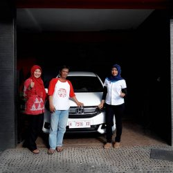 Foto Penyerahan Unit 6 Sales Marketing Mobil Dealer Honda Salatiga Irma