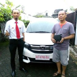 Foto Penyerahan Unit 6 Sales Marketing Mobil Dealer Honda Solo Wahyu