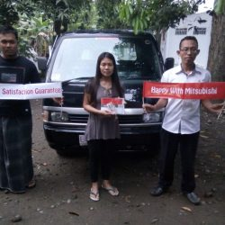 foto-penyerahan-unit-6-sales-marketing-mobil-dealer-mitsubishi-surabaya-syaifudin