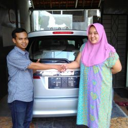 Foto Penyerahan Unit 6 Sales Marketing Mobil Dealer Suzuki Jaka