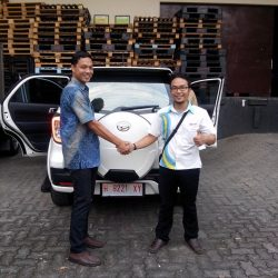 Foto Penyerahan Unit 7 Sales Marketing Mobil Dealer Daihatsu Jepara Arif
