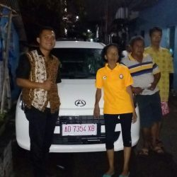 Foto Penyerahan Unit 7 Sales Marketing Mobil Dealer Daihatsu Solo Bowo