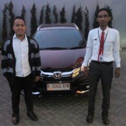 Foto Penyerahan Unit 7 Sales Marketing Mobil Dealer Honda Cibubur Yudi